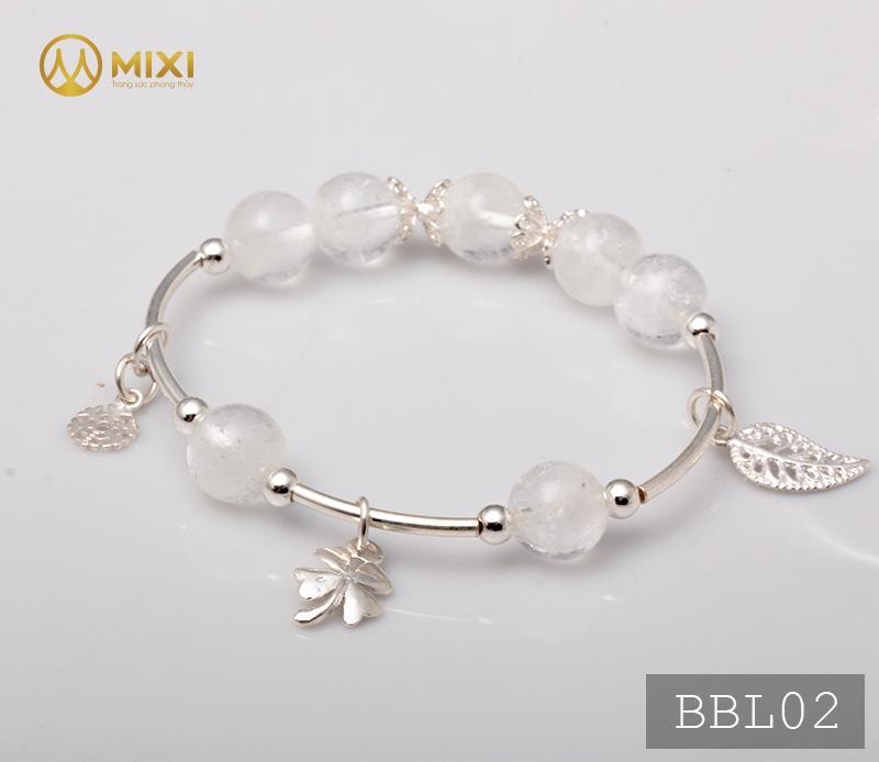 Vòng Tay Đá Thạch Anh Ưu Linh Trắng 2A 10 Mix Charm Cỏ 4 Lá Bạc 999 BBL02